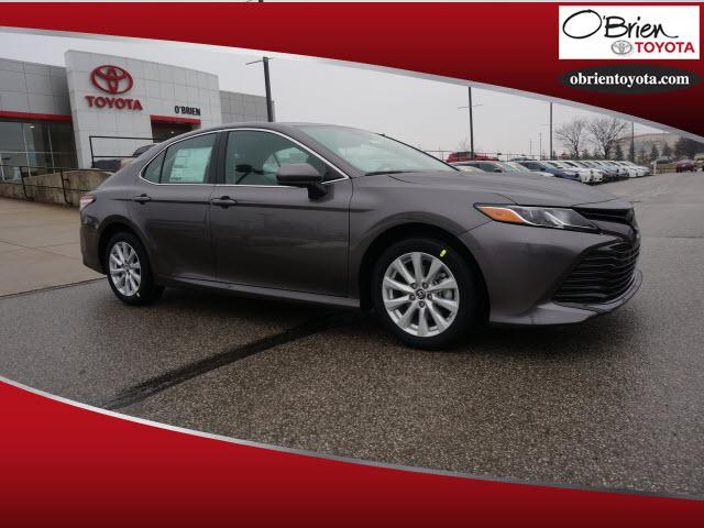 New 2019 Toyota Camry LE w/ Leather & Heated front seats