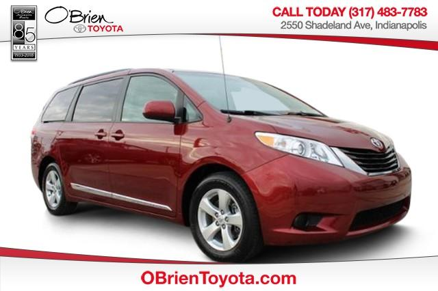 Certified Pre-Owned 2014 Toyota Sienna 5dr 8-Pass Van V6 LE FWD