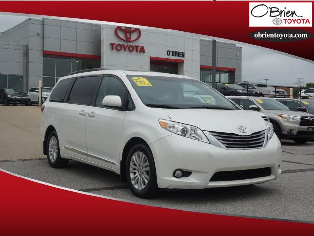Pre-Owned 2015 Toyota Sienna 5dr 8-Pass Van XLE FWD