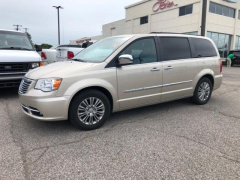 Pre-Owned 2016 Chrysler Town & Country 4dr Wgn Touring-L Anniversary Editi