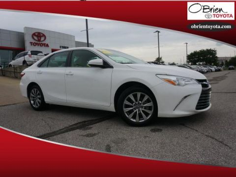 Pre-Owned 2016 Toyota Camry 4dr Sdn I4 Auto XLE