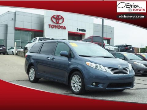 Pre-Owned 2016 Toyota Sienna 5dr 7-Pass Van XLE AWD