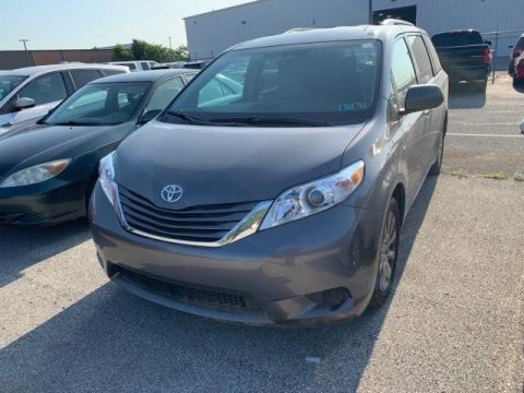 Pre-Owned 2016 Toyota Sienna 5dr 7-Pass Van LE AWD