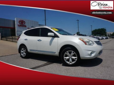 Pre-Owned 2011 Nissan Rogue AWD 4dr SV